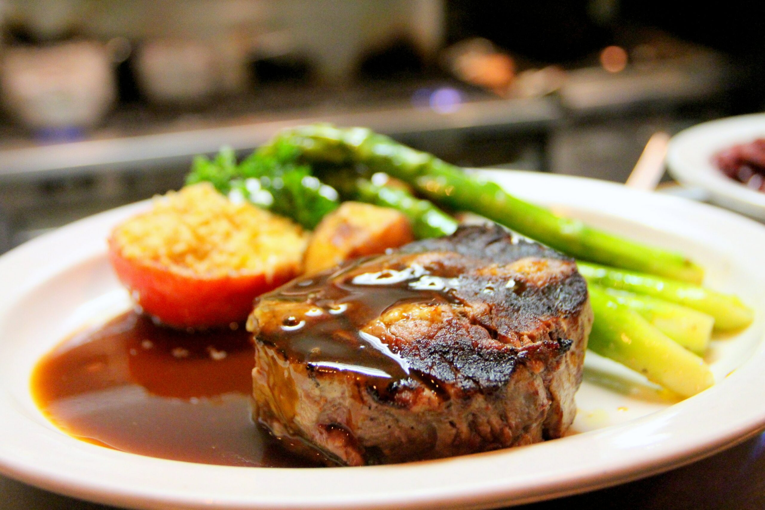 selective-focus-photography-of-beef-steak-with-sauce-675951